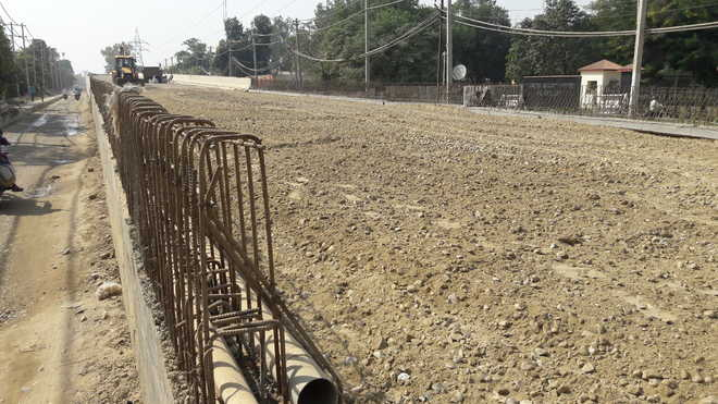 Dispute over land: Transport ministry cuts width of ROB