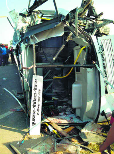 One killed, 22 hurt as bus rams into truck