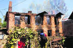 Blast after gunfight kills 6 locals in Kashmir