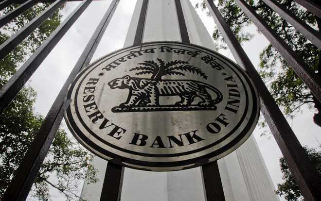 Discord before discourse : The RBI must not act under political pressure