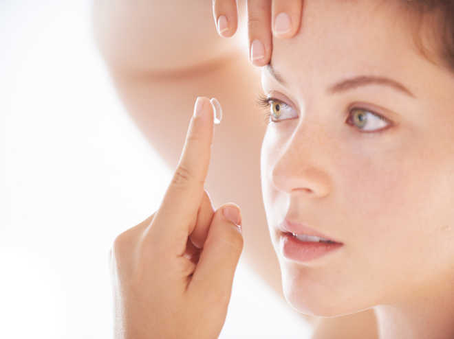 'Novel contact lens could treat eye injuries'