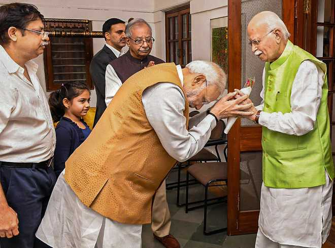 B'day wish as Advani turns 91
