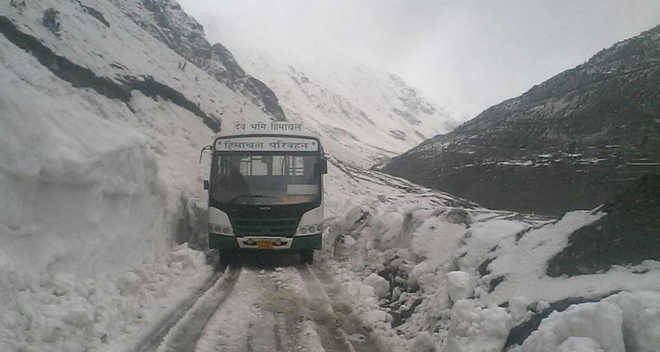 Alert sounded in Kullu due to heavy rainfall, snowfall forecast