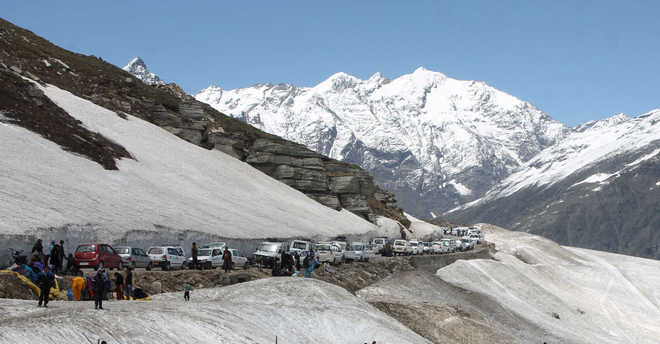 Rohtang Pass closed for winter