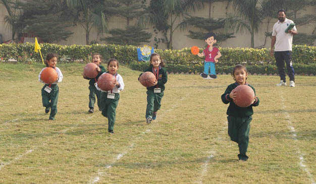 Suhani, Sarthik fastest runners at Green Land Convent School