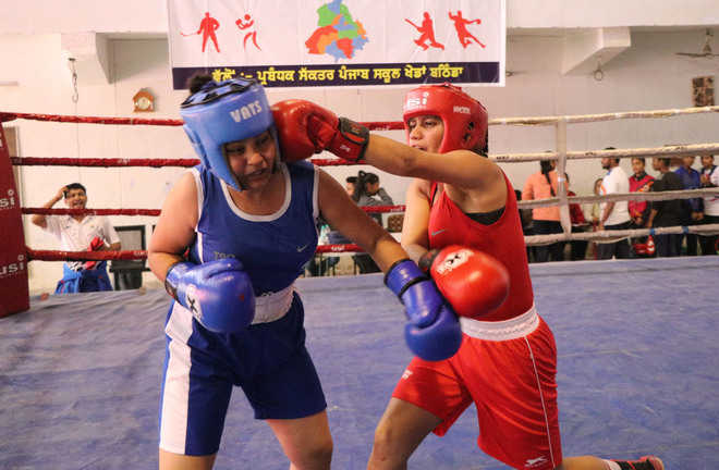 Ghudda school lifts  trophy in boxing