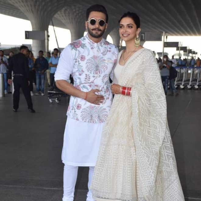 Deepveer Fly From Mumbai To Deepikas Hometown For Wedding Reception