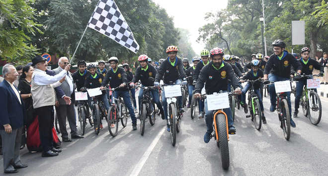 Governor flags off cycling expedition