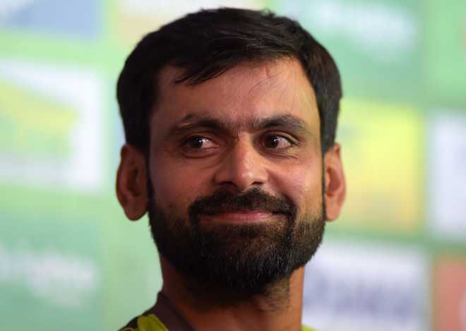 Pakistan's Muhammad Hafeez retires from Test cricket
