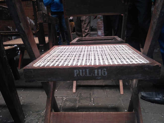 Chair seized by Customs at Delhi PU heritage: FRI