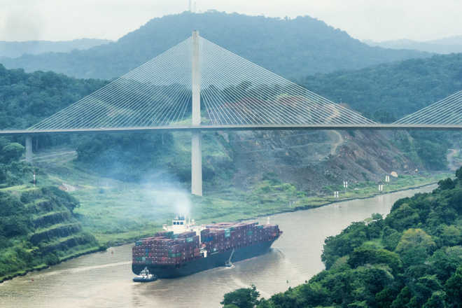 Panama awards $1.4 bn bridge project to Chinese group