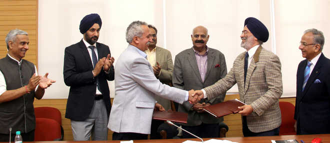 UT Admn, Rotary Club sign MoU to set up Health Education Centre