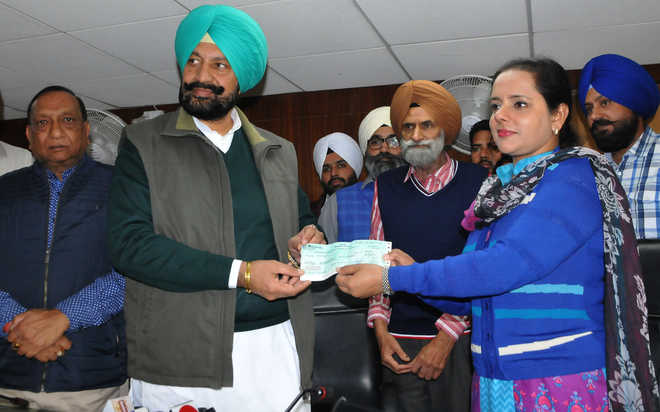 Mohali gets  Rs 36 lakh to purchase two modern pruning machines