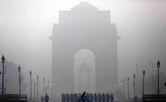 Cold Thursday morning in Delhi, 'very poor' air