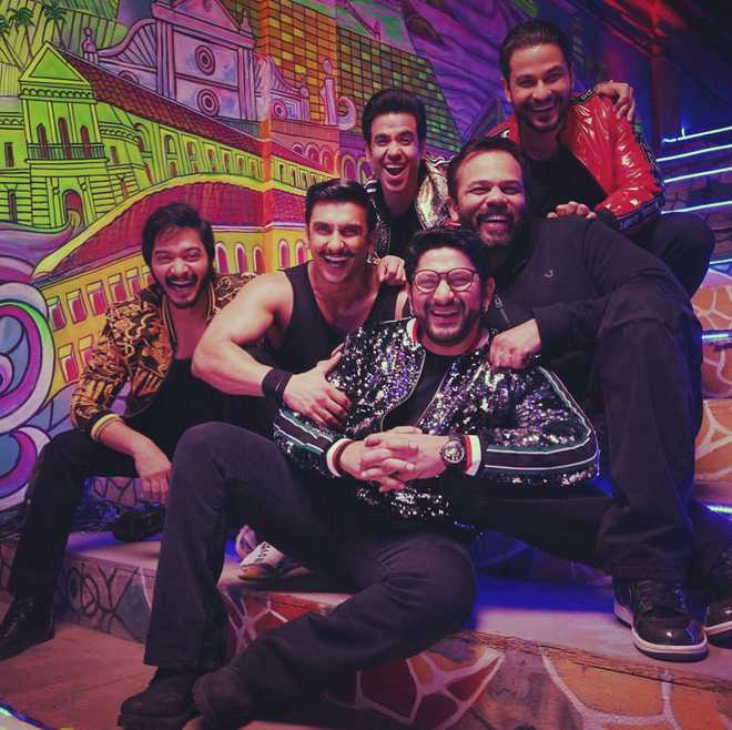 Sara matches every step with Ranveer: 'Simmba's' first song released