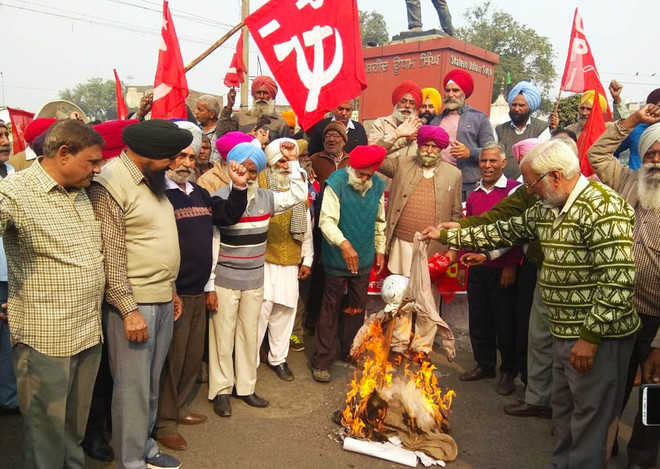 Babri Masjid demolition: Left parties stage protest
