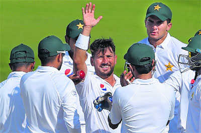 Yasir on speed, Kiwis nose ahead