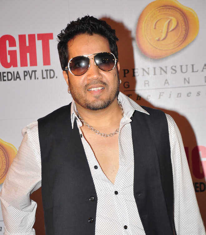 Sexual misconduct: Mission steps in, Mika Singh released from detention in UAE