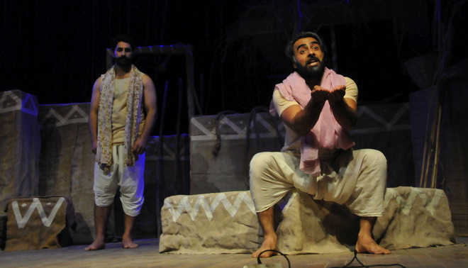 A glimpse of Kalidasa's world on stage
