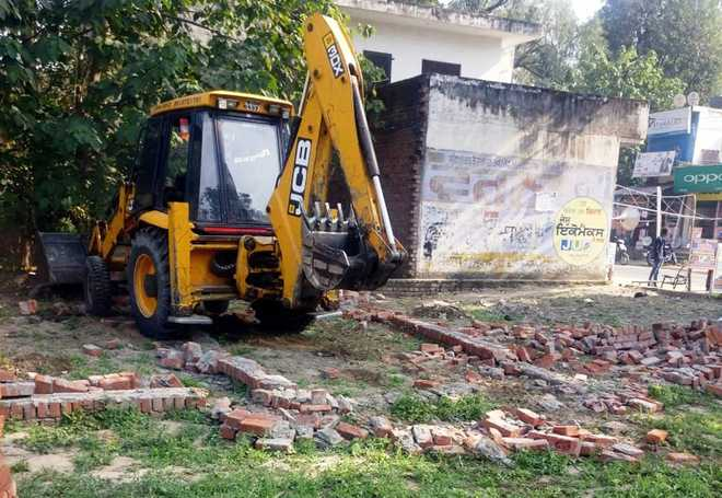 JDA demolishes unauthorised colony near Hoshiarpur