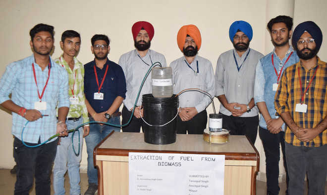 Students develop gas out of stubble