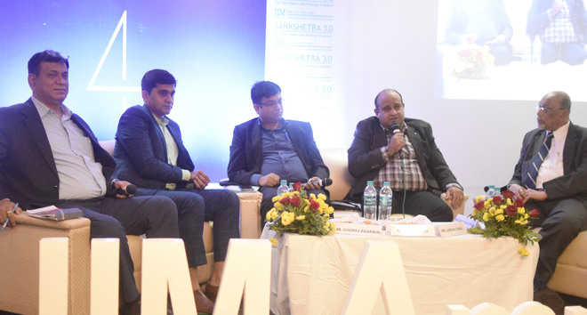IIM conclave dwells on pros and cons of protectionism