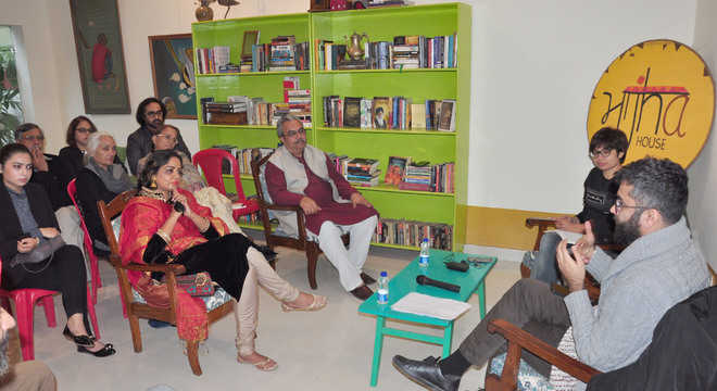 Scholars discuss history of political poetry in India