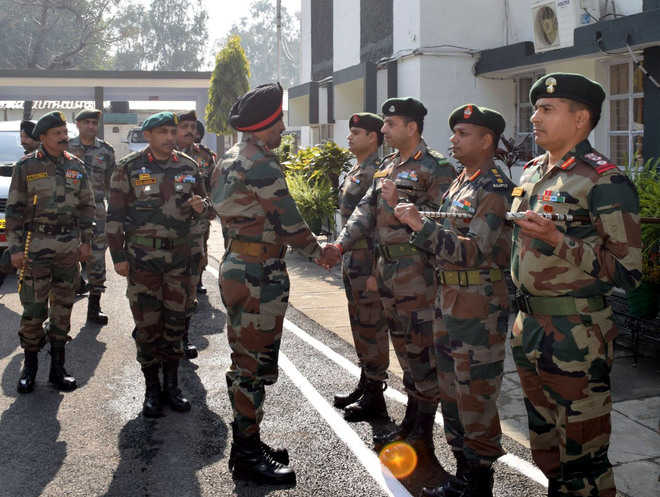 Army Commander visits border areas