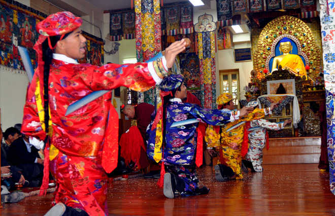 Tibetans begin festivities to celebrate new year