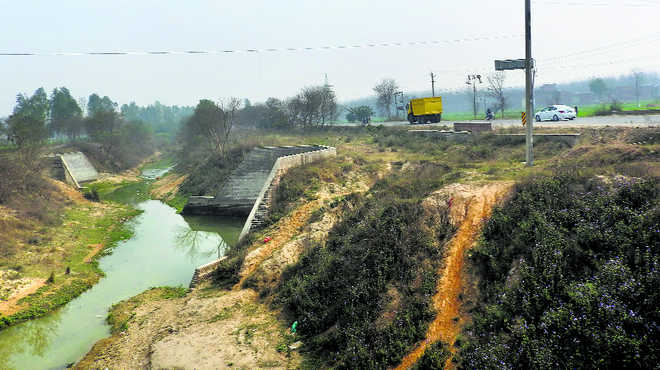 Rs 304 crore down a canal