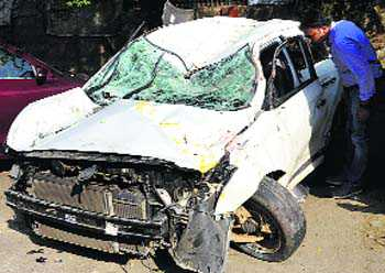 Two students killed after car hits divider
