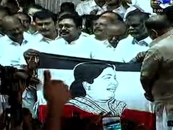 Dinakaran launches new party AMMK