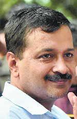 Kejri says sorry to Majithia, AAP irked