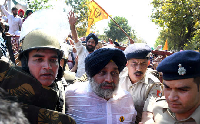 90 protesting Akali, BJP leaders detained, let off