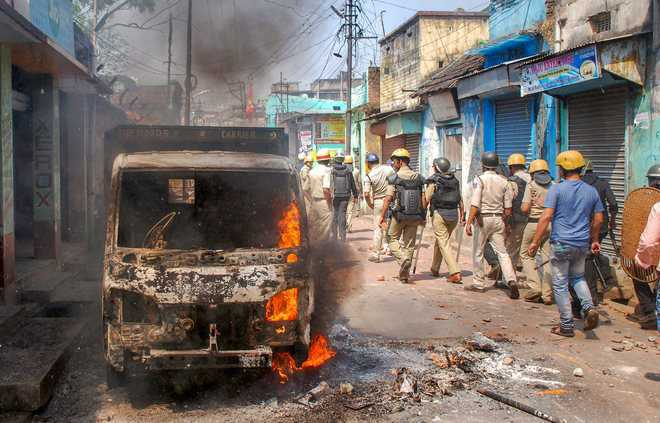 Fresh clashes in Bengal, govt says no to Centre's assistance