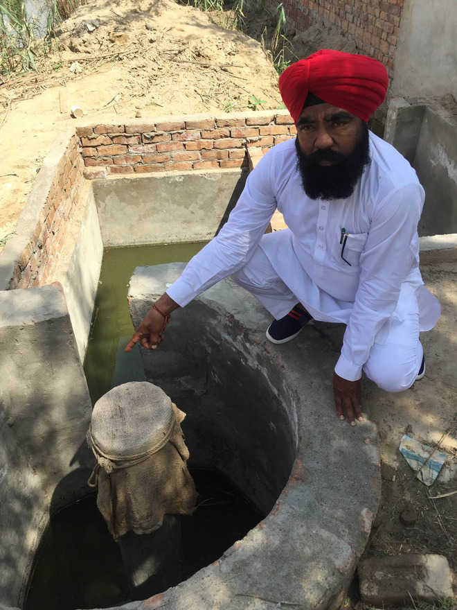 Stinking reality of villages' open sewers