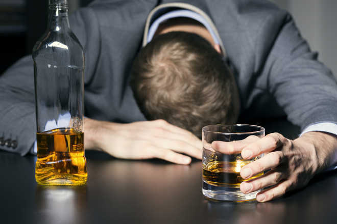 Does alcohol cause dementia?