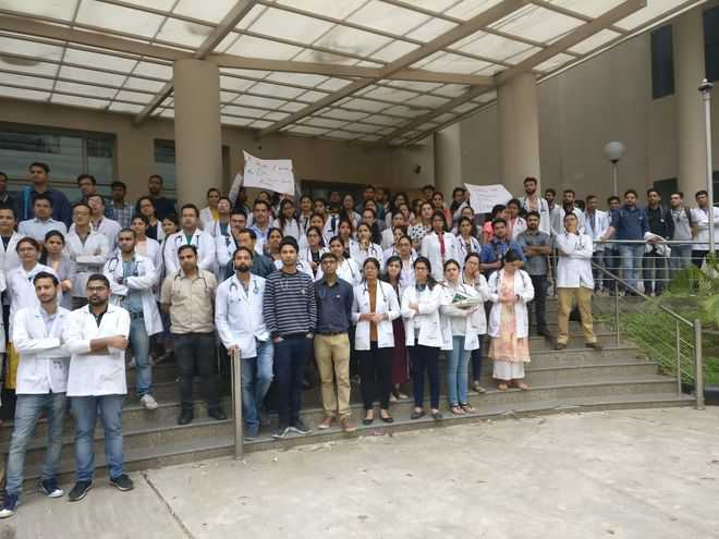 Resident doctors strike work at Tanda college