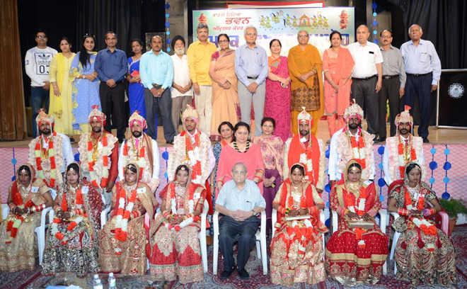 Seven couples tie the knot