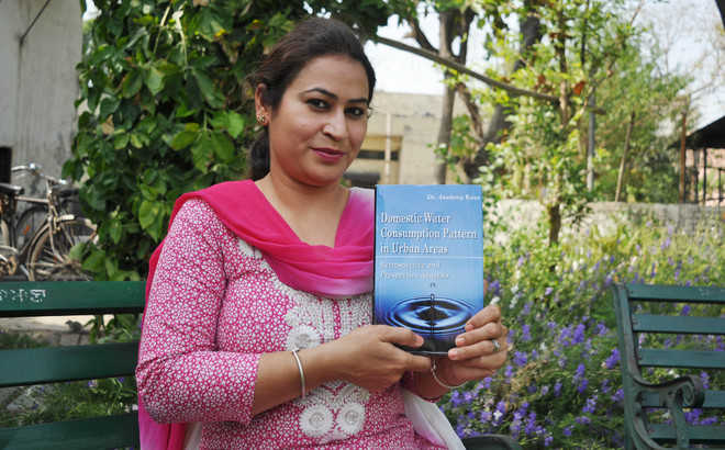 Book highlights water consumption pattern in city