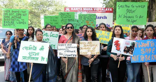 Students seek justice for Kathua rape vicim Asifa