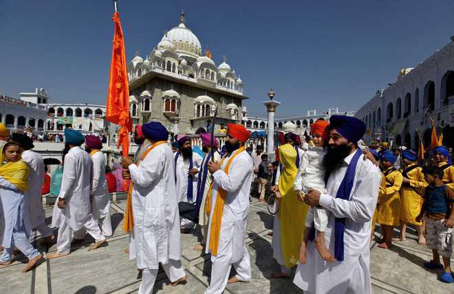 India accuses Pakistan of inciting Sikh pilgrims