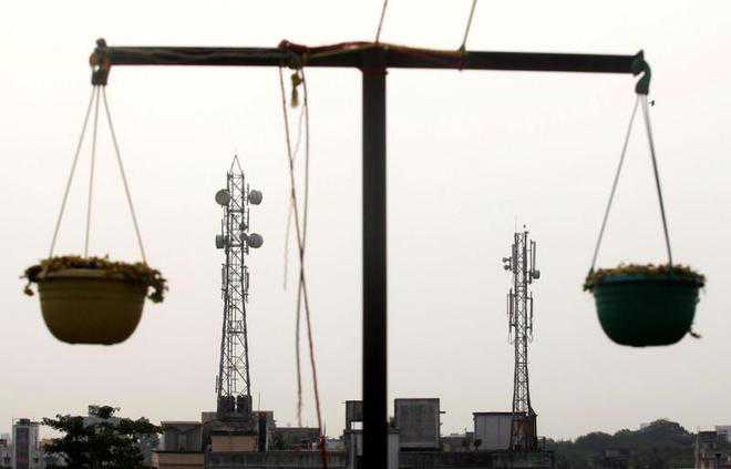 Bharti Infratel, Indus to merge, own 1.6 L towers