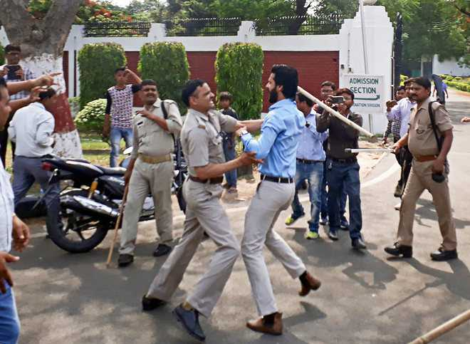AMU Jinnah row turns violent