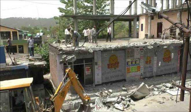 Nine shops razed in Hamirpur