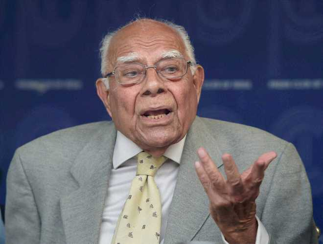 Jethmalani moves SC against Karnataka Guv's decision inviting BJP to form govt