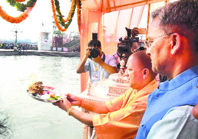 Will work on joint tourism ventures with UP: Rawat