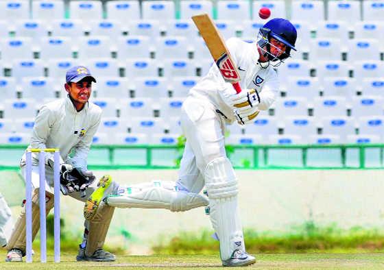 Abhishek, Sumit score tons for Asr