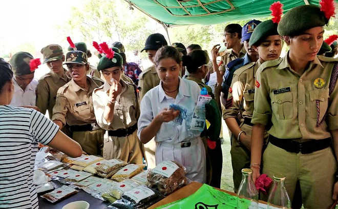 350 cadets attend session on alternatives to plastic