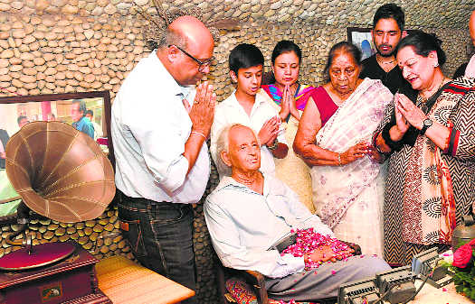 Tributes paid to Nek Chand